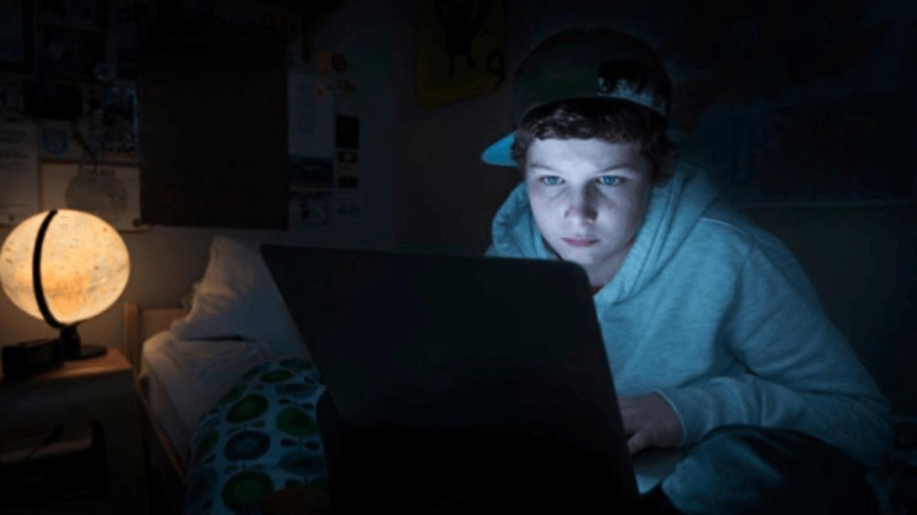 Essere adolescenti nell'era digitale